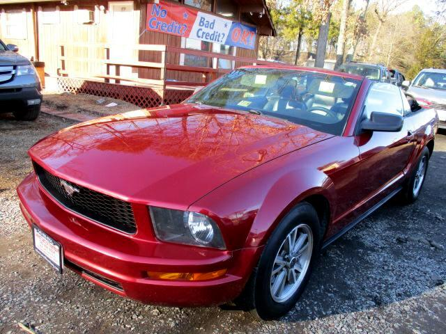 2005 Ford Mustang V6 Deluxe Convertible