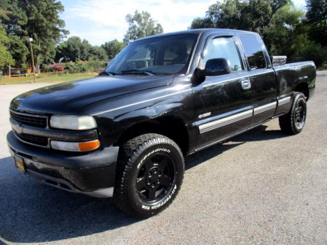 2000 Chevrolet Silverado 1500 LS Ext. Cab 4-Door Short Bed 4WD