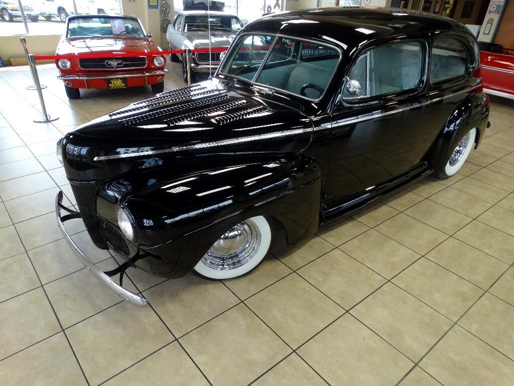 1941 Ford 2 Door Hot Rod