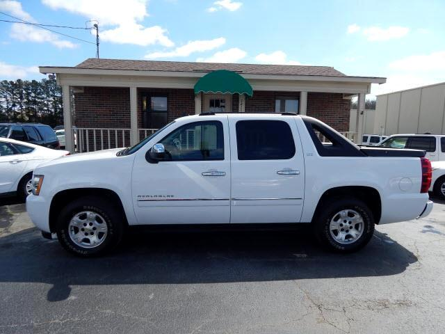 used 2010 chevrolet avalanche ltz 2wd for sale in decatur al 35603 river city auto sales. Black Bedroom Furniture Sets. Home Design Ideas