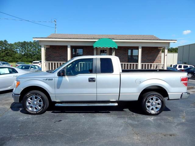 2013 Ford F-150 XLT SuperCab 8-ft. Bed 2WD