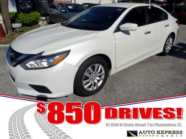 2016 Nissan Altima The 2016 Nissan Altima lineup features revised styling inside and out retuned su