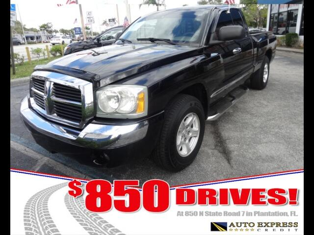 2005 Dodge Dakota The all-new 2005 Dodge Dakota represents yet another bold move into the truck mar