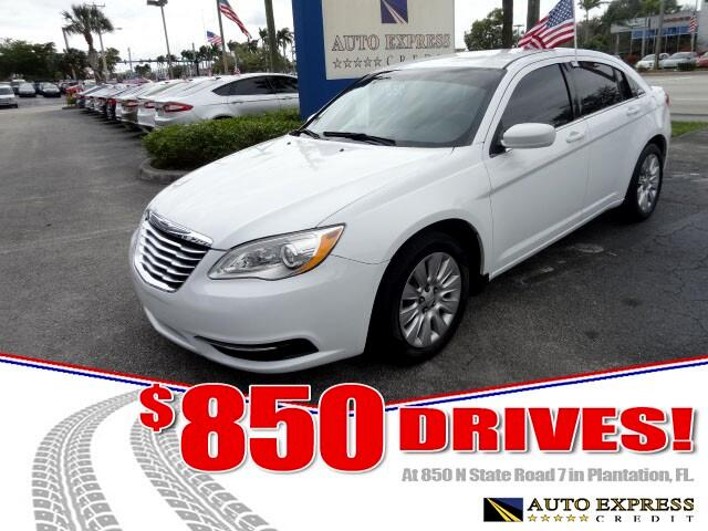 2013 Chrysler 200 The midsize Chrysler 200 comes in sedan and convertible versions and offers a cho