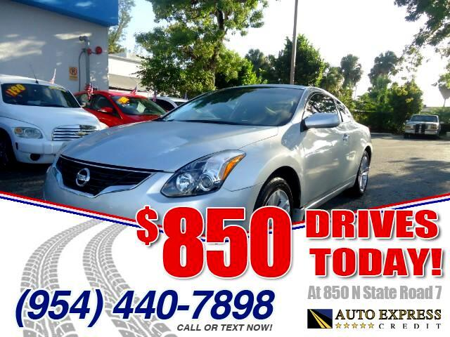 2013 Nissan Altima 850 DRIVES AT 850 N STATE ROAD 7 Thats right ONLY 850 bucks can get you driv