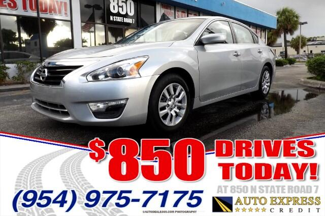 2014 Nissan Altima The front-wheel drive five-passenger Nissan Altima combines performance and an a