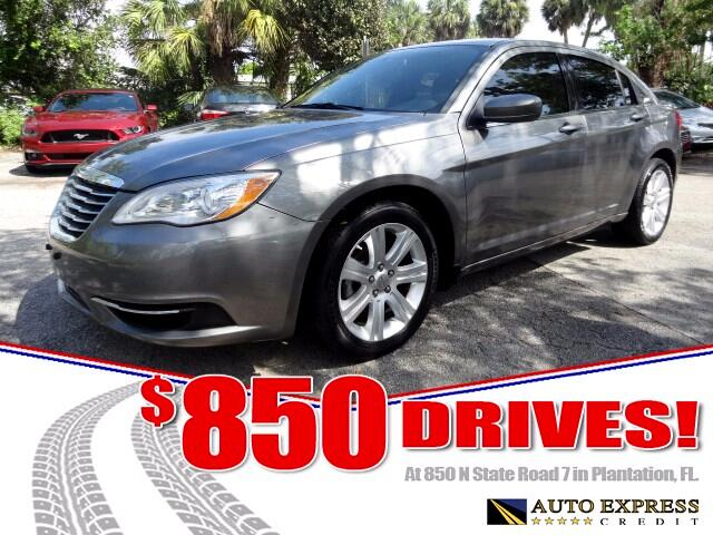 2013 Chrysler 200 he midsize Chrysler 200 comes in sedan and convertible versions and offers a choi