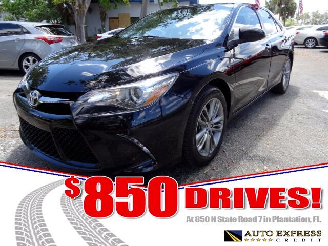 2016 Toyota CAMRYSEL The Toyota Camry reigns as Americas best-selling car despite zealous compet