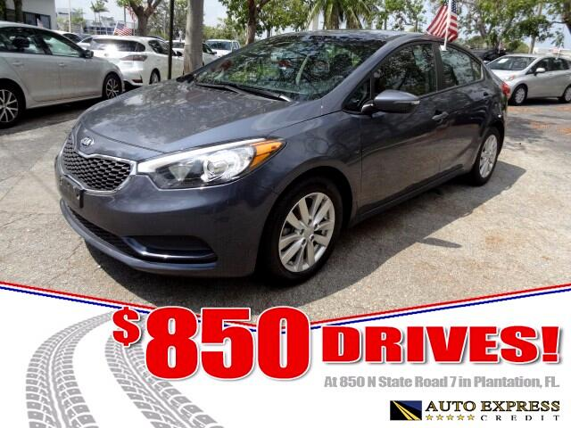2016 Kia Forte The Kia Forte is a front-wheel drive compact that comes in four-door sedan and five-