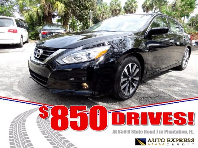 2017 Nissan Altima The Nissan Altima is a roomy midsize sedanStill one of Americas top-selling ca