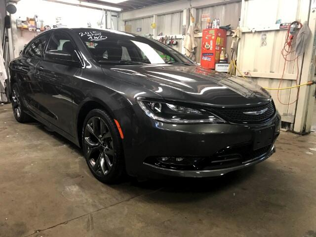 2015 Chrysler 200 S AWD