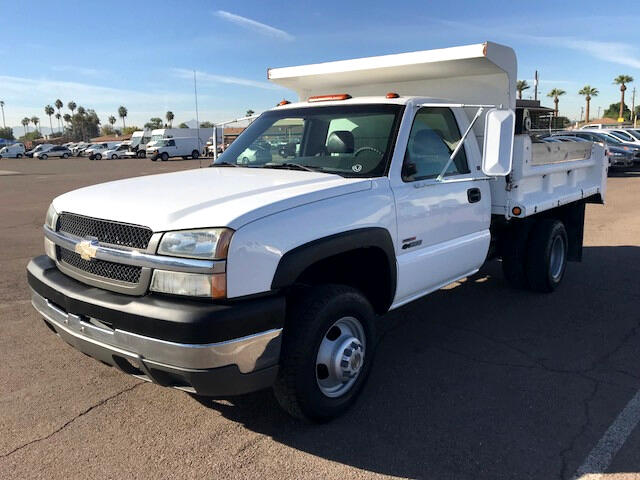 2004 Chevrolet Silverado 3500 Regular Cab 2WD