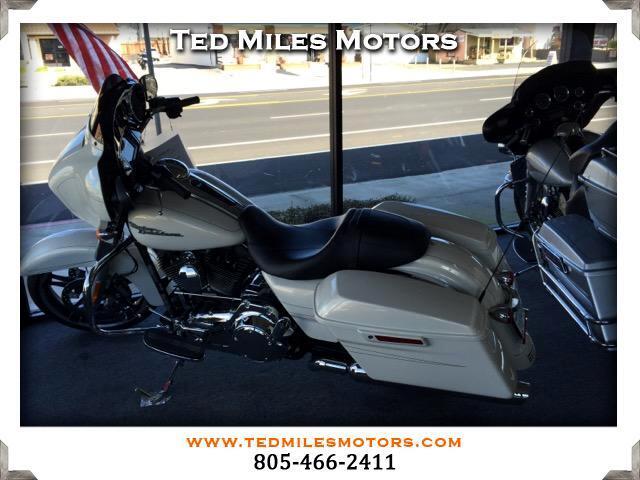 2014 Harley-Davidson FLHXS STREET GLIDE