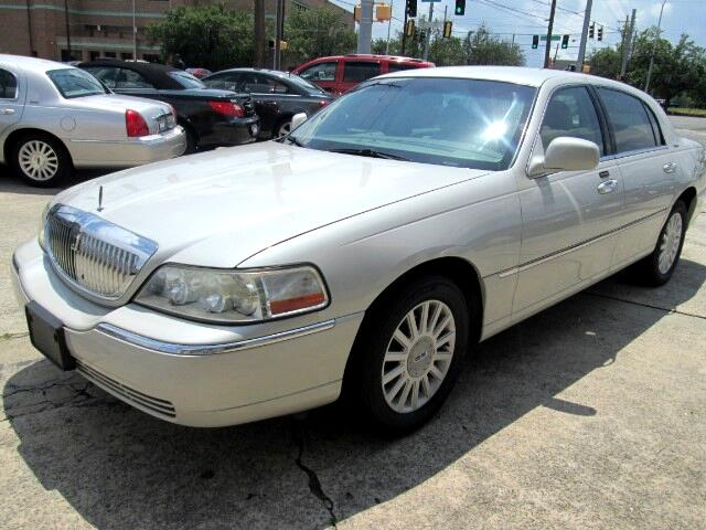 used 2005 lincoln town car for sale in macon ga 31201 hrm auto sales. Black Bedroom Furniture Sets. Home Design Ideas