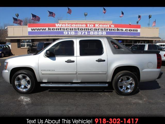 2010 Chevrolet Avalanche LS 2WD