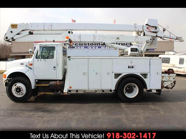 1999 International 4900 Standard Cab DRW Bucket Truck