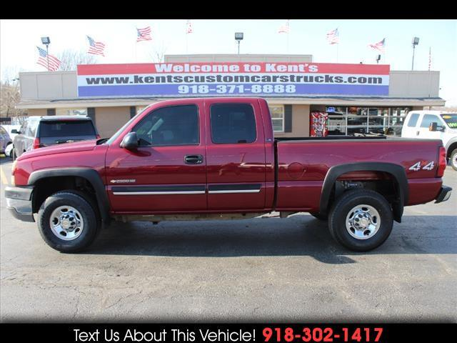 2005 Chevrolet Silverado 2500HD LS Extended Cab 4WD Short Bed