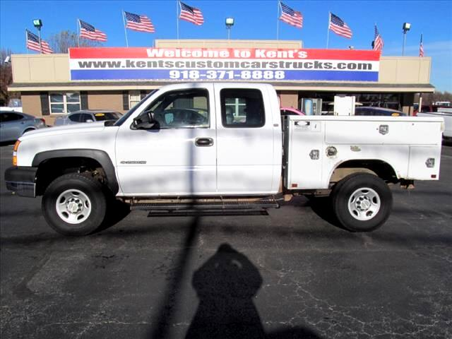 2005 Chevrolet Silverado 2500HD WT Extended Cab Utility Bed SB 2WD