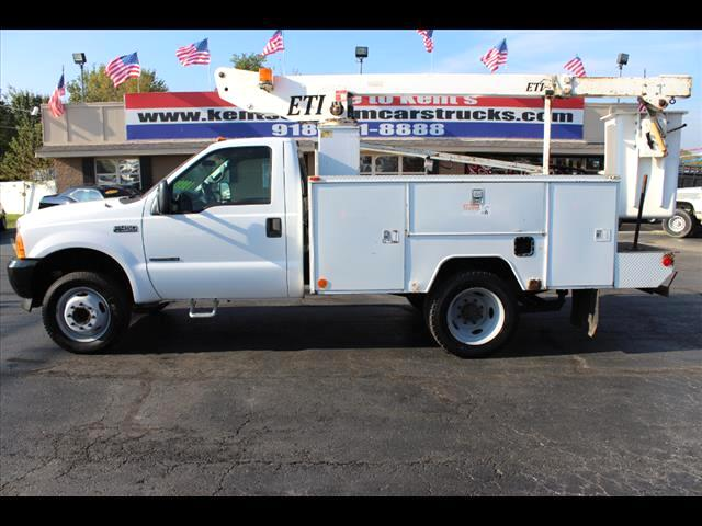 2001 Ford F-450 SD Regular Cab Bucket Truck DRW 2WD