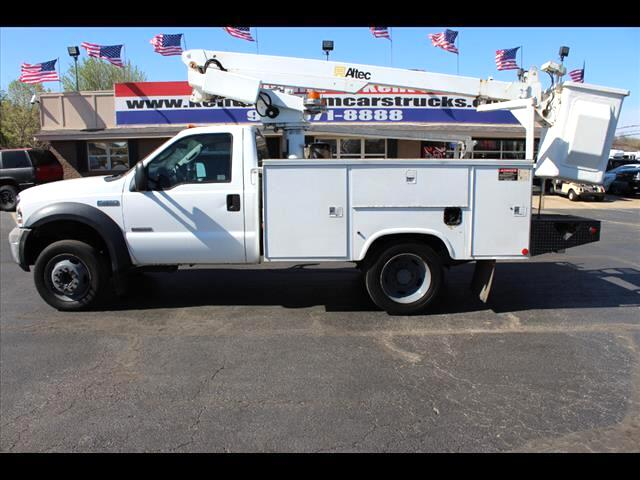 2006 Ford F-450 SD XL Regular Cab Bucket Truck DRW 2WD
