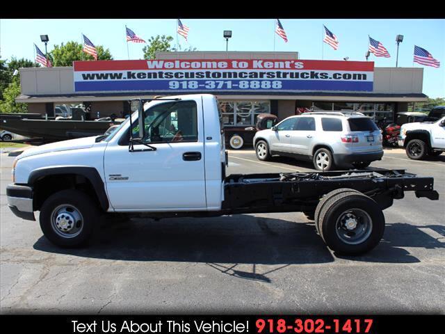 2005 Chevrolet Silverado 3500 Regular Cab DRW 2WD Cab Chassis