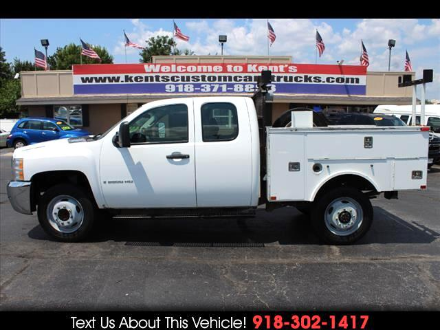 2009 Chevrolet Silverado 2500HD Work Truck Extended Cab 2WD Service Body