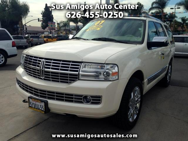 2007 Lincoln Navigator Visit Sus Amigos Auto Center online at wwwsusamigosautosalescom to see more
