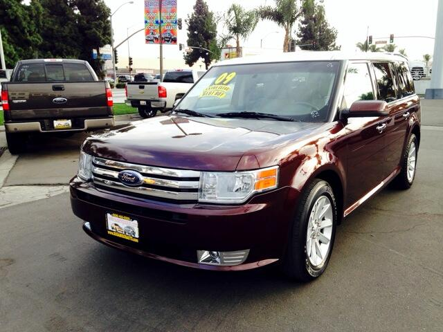 2009 Ford Flex Visit Sus Amigos Auto Center online at wwwsusamigosautosalescom to see more picture