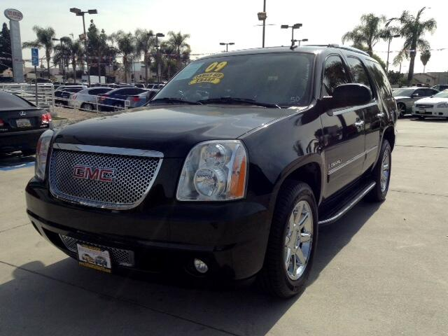 2009 GMC Yukon Denali Visit Sus Amigos Auto Center online at wwwsusamigosautosalescom to see more