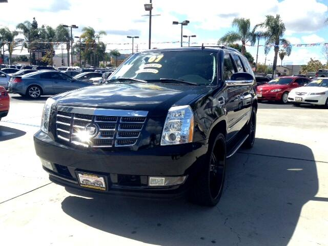 2007 Cadillac Escalade Visit Sus Amigos Auto Center online at wwwsusamigosautosalescom to see more