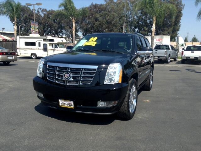 2008 Cadillac Escalade Visit Sus Amigos Auto Center online at wwwsusamigosautosalescom to see more