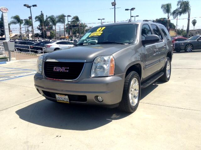 2007 GMC Yukon Visit Sus Amigos Auto Center online at wwwsusamigosautosalescom to see more picture