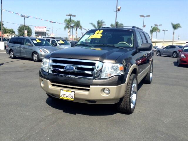 2008 Ford Expedition Visit Sus Amigos Auto Center online at wwwsusamigosautosalescom to see more p