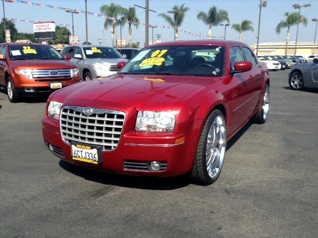 2007 Chrysler 300 Visit Sus Amigos Auto Center online at wwwsusamigosautosalescom to see more pict