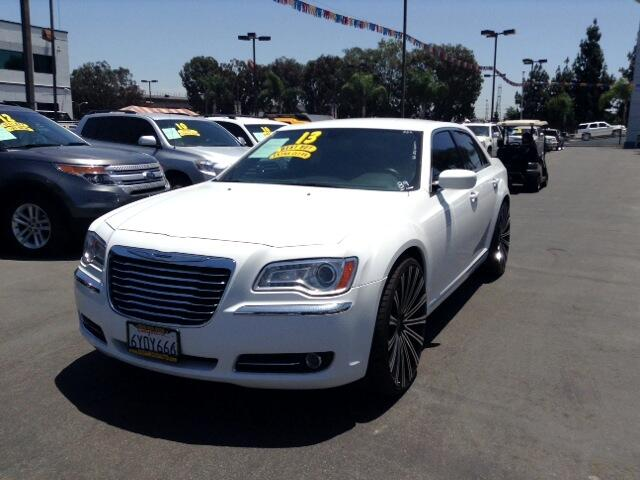 2013 Chrysler 300 Visit Sus Amigos Auto Center online at wwwsusamigosautosalescom to see more pict