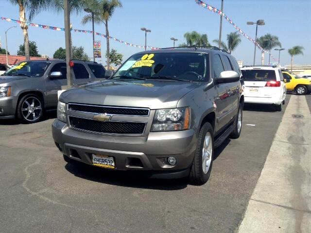 2009 Chevrolet Tahoe Visit Sus Amigos Auto Center online at wwwsusamigosautosalescom to see more p
