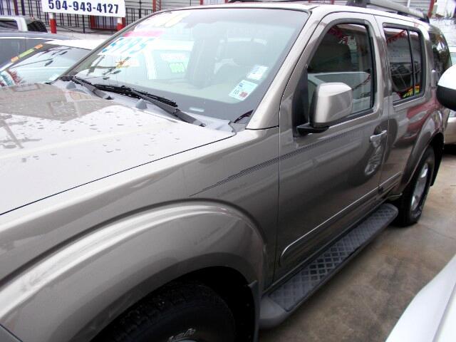 2006 Nissan Pathfinder LE 2WD
