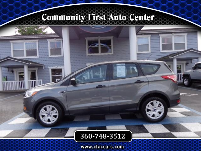 2014 Ford Escape S FWD SUV W/ BACKUP CAMERA AND ONLY 19K MILES!!