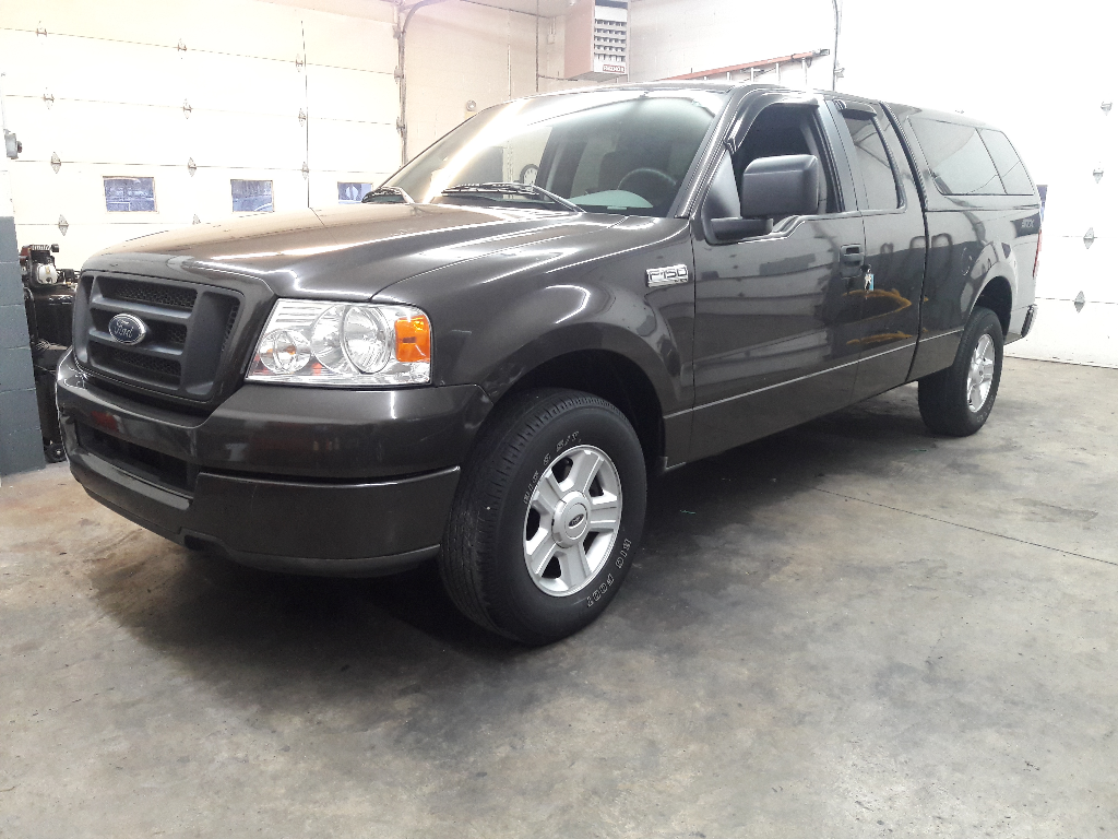 2005 Ford F-150 STX 6.5-ft. Bed 2WD