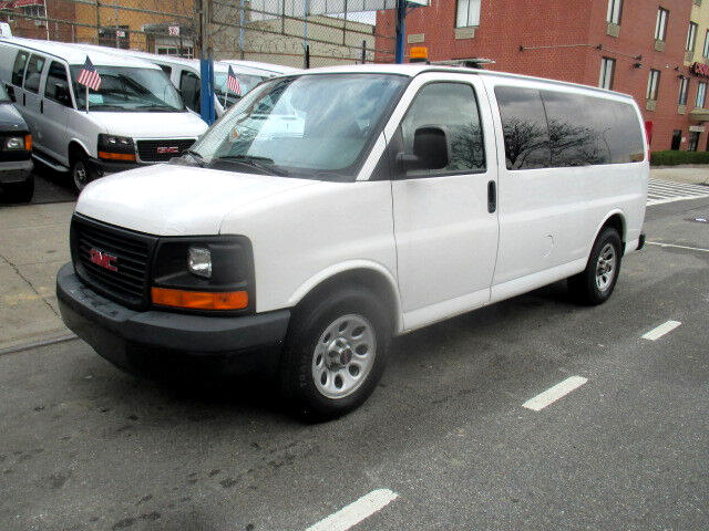 2009 GMC Savana LS G1500 AWD