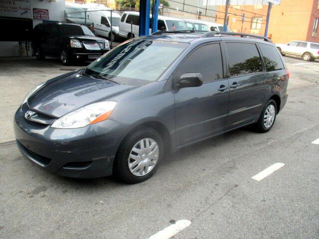 2008 Toyota Sienna CE FWD 7-Passenger