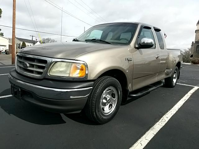 2002 Ford F-150 XLT SuperCab 6.5-ft. Bed Flareside 2WD