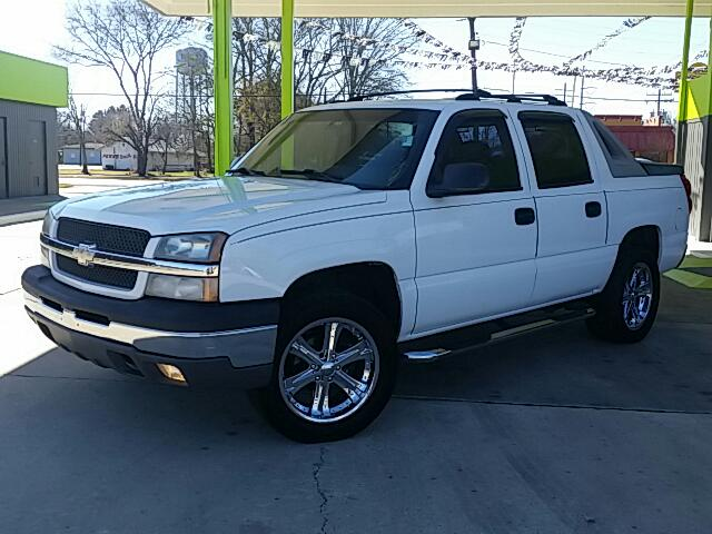 2004 Chevrolet Avalanche Visit Unique Autos online at wwwuniqueautoslacom to see more pictures of