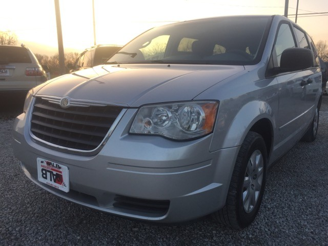 2008 Chrysler Town & Country LX