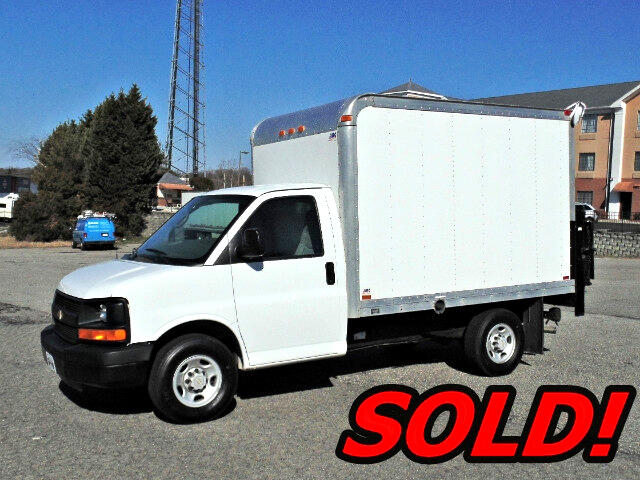 2007 Chevrolet Express G3500 Box Truck