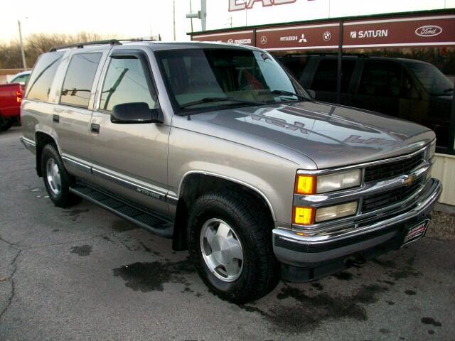 1999 Chevrolet Tahoe 4-Door 4WD