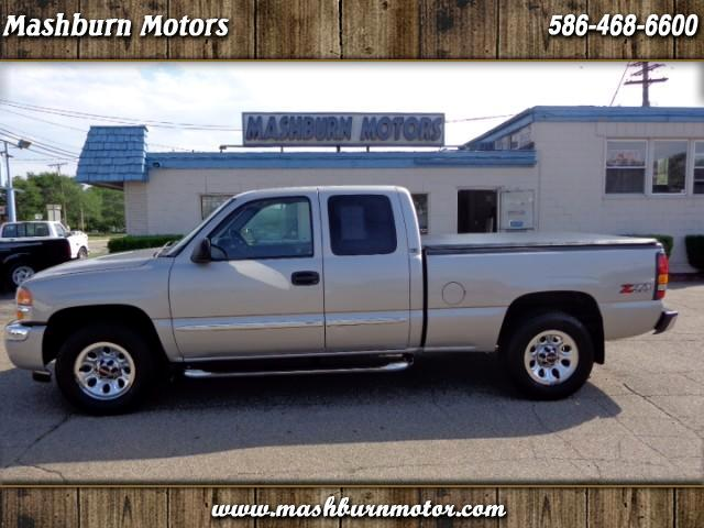 2005 GMC Sierra 1500 SLE Ext. Cab Short Bed 4WD
