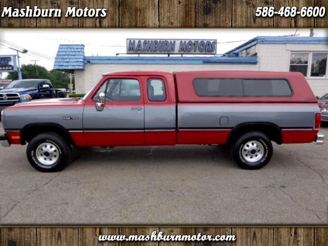1991 Dodge RAM 150 Club Cab 8-ft. Bed 4WD