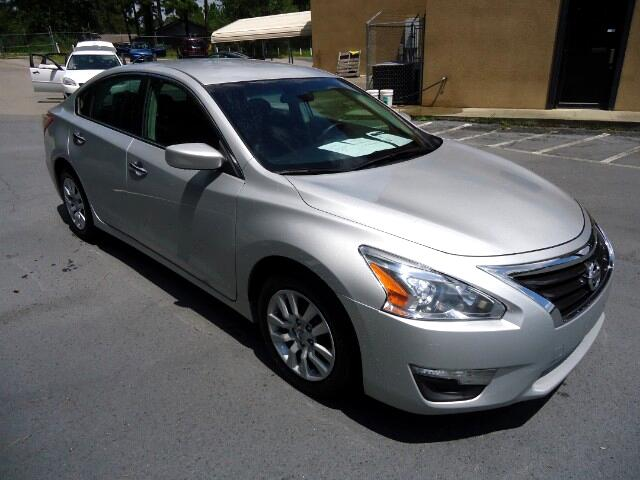 2013 Nissan Altima ONE OWNER AUTOMATIC POWER SEAT  Please call us at 866-245-2383 to arrange
