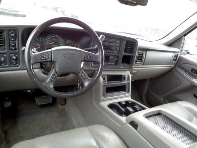 2004 Chevrolet Suburban LT 4WD
